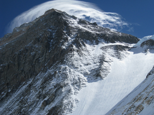 Green Beret Summits Mount Everest